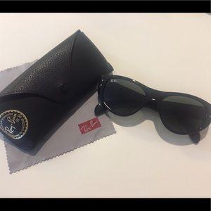 Ray-Ban Vagabond Black Sunglasses